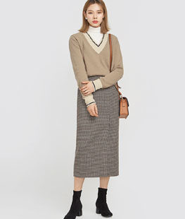Plus Line V-Neck Wool Knit